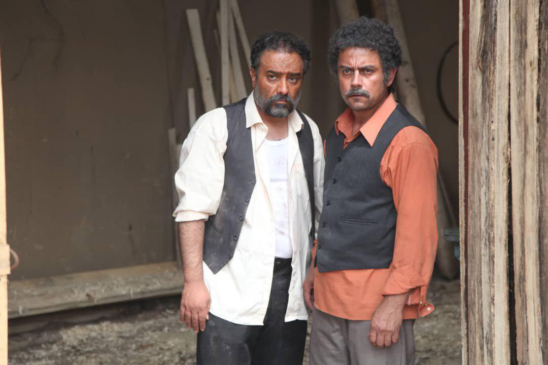 رحیم نوروزی در صحنه سریال تلویزیونی وارش به همراه برزو ارجمند