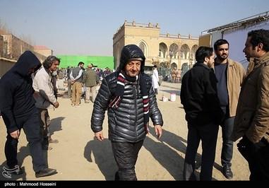 ابوالقاسم طالبی در پشت صحنه فیلم سینمایی یتیمخانه ایران