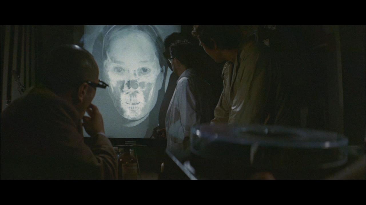 فیلم سینمایی Doberman Cop به کارگردانی Kinji Fukasaku