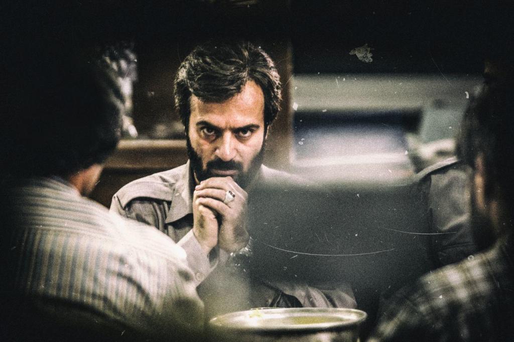 فیلم سینمایی ماجرای نیمروز با حضور احمد مهرانفر