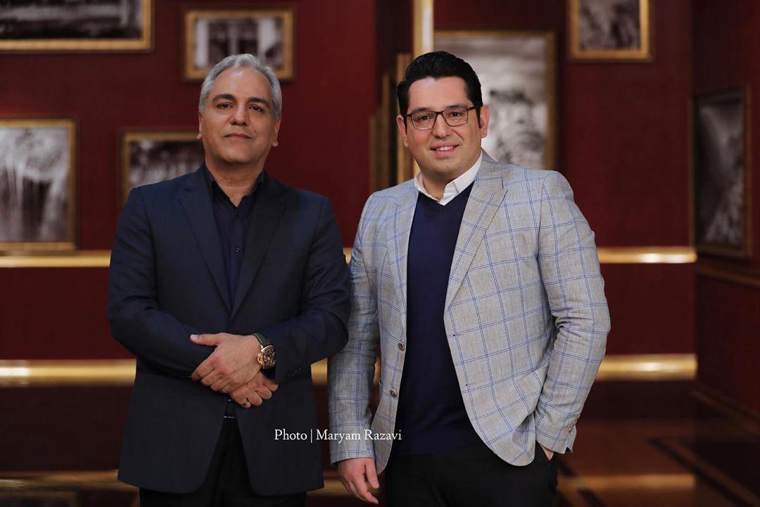 محمدرضا احمدی در صحنه برنامه تلویزیونی دورهمی فصل چهارم به همراه مهران مدیری