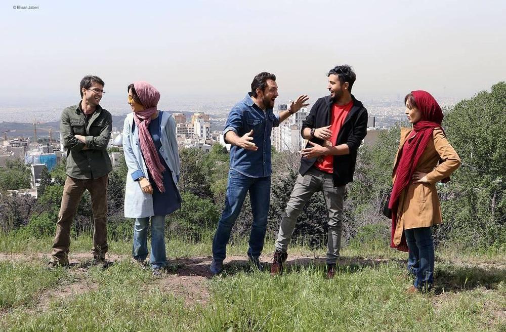 شهرام حقیقتدوست در صحنه فیلم سینمایی زرد به همراه بهرام رادان و مهرداد صدیقیان