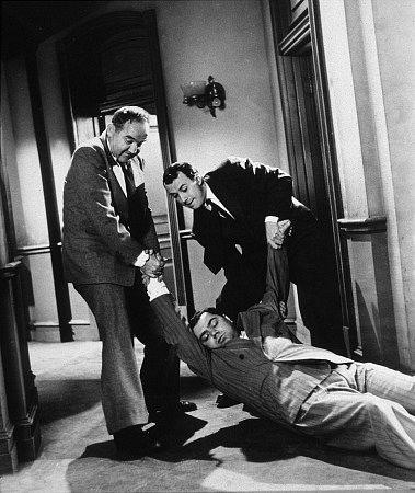 فیلم سینمایی The Mob با حضور ارنست بورگناین، Richard Kiley و برودریک کرافورد