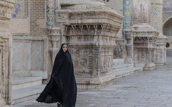 فیلم سینمایی روز بلوا به کارگردانی بهروز شعیبی