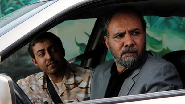 امیر دژاکام در صحنه سریال تلویزیونی کیفر به همراه حمید شریف زاده