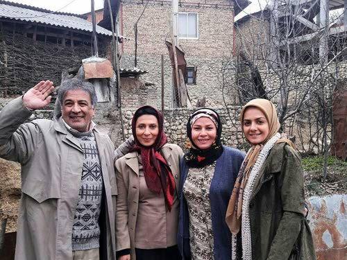 ساقی زینتی در پشت صحنه سریال تلویزیونی شکوه یک زندگی به همراه مریم کاظمی، عبدالرضا اکبری و بیتا سحرخیز