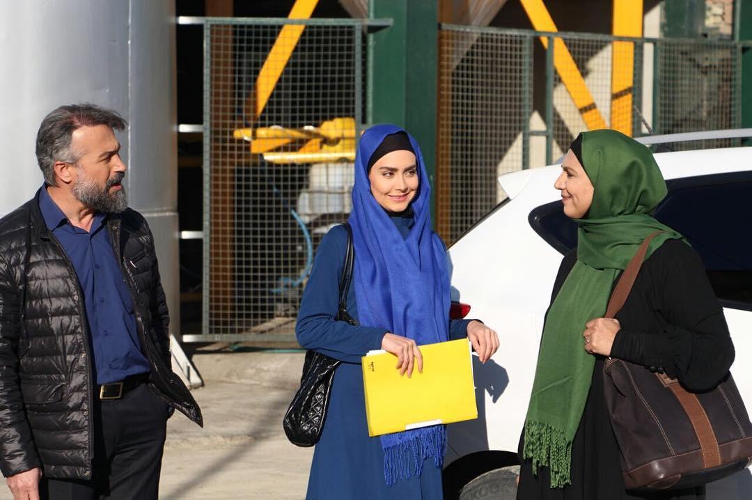 مریم خدارحمی در پشت صحنه سریال تلویزیونی دوردستها به همراه دانیال حکیمی و فرشته سرابندی