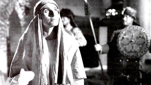 سوسن تسلیمی در صحنه سریال تلویزیونی سربداران