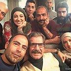 پشت صحنه سریال تلویزیونی زیر همکف با حضور عزتالله مهرآوران، ویدا جوان، پریسا مقتدی و سامان دارابی