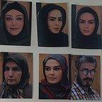 تصویری از سولماز آقمقانی، بازیگر سینما و تلویزیون در پشت صحنه یکی از آثارش به همراه محمد صادقی، زهرا سعیدی، شقایق فراهانی و سارا خوئینیها