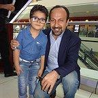 سام ولیپور، بازیگر سینما و تلویزیون - عکس اکران به همراه اصغر فرهادی