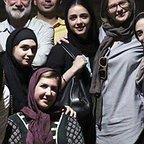 تصویری از پریسا مقتدی، بازیگر سینما و تلویزیون در پشت صحنه یکی از آثارش به همراه ترانه علیدوستی و آتیلا پسیانی