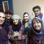 تصویری از پریسا مقتدی، بازیگر سینما و تلویزیون در پشت صحنه یکی از آثارش به همراه مریم سرمدی و هوتن شکیبا