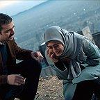 سریال تلویزیونی زیر پای مادر به کارگردانی بهرنگ توفیقی