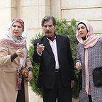 تصویری از پریسا مقتدی، بازیگر سینما و تلویزیون در پشت صحنه یکی از آثارش به همراه ویدا جوان و عزتالله مهرآوران