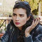 سریال تلویزیونی Kara Para Ask با حضور Tuba Büyüküstün