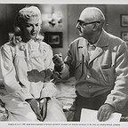 فیلم سینمایی The Fuzzy Pink Nightgown با حضور Norman Taurog و Jane Russell
