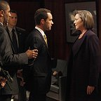 سریال تلویزیونی 24 با حضور Chris Diamantopoulos، چری جونز و Larry Sullivan