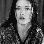 فیلم سینمایی تسخیر شده با حضور Catherine Zeta-Jones