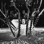 فیلم سینمایی تسخیر شده با حضور Lili Taylor