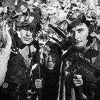 فیلم سینمایی ماجراهای رابین هود با حضور Errol Flynn، Patric Knowles و Herbert Mundin
