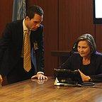 سریال تلویزیونی 24 با حضور Chris Diamantopoulos و چری جونز
