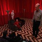 سریال تلویزیونی توئین پیکس با حضور کایل مک لاکلن، Michael J. Anderson و Carel Struycken