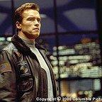 فیلم سینمایی روز ششم با حضور آرنولد شوارتزنگر