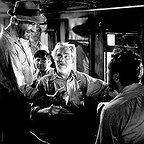فیلم سینمایی گنج های سیرامادره با حضور والتر هیوستون، تیم هالت و هامفری بوگارت