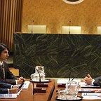 سریال تلویزیونی 24 با حضور Anil Kapoor، باب گانتون، چری جونز و Akbar Kurtha