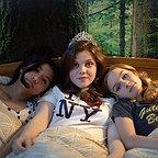 فیلم سینمایی The Sisterhood of Night با حضور Olivia DeJonge، Willa Cuthrell و جورجیا هنلی