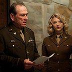 فیلم سینمایی کاپیتان آمریکا: نخستین انتقام جو با حضور تامی لی جونز و ناتالی دورمر