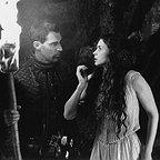 فیلم سینمایی اولین شوالیه با حضور بن کراس و جولیا اورموند
