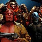 فیلم سینمایی پسرجهنمی ۲: ارتش طلایی با حضور ران پرلمن و داگ جونز