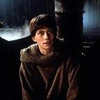 فیلم سینمایی به نام گل سرخ با حضور Elya Baskin، Christian Slater و Michael Lonsdale