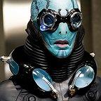 فیلم سینمایی پسرجهنمی ۲: ارتش طلایی با حضور داگ جونز