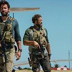 فیلم سینمایی 13 ساعت: سربازان مخفی بنغازی با حضور جان کرازینسکی، پابلو شرایبر، دومینیک فوموسا و دیوید دنمان