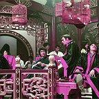 فیلم سینمایی اژدها وارد می شود با حضور بروس لی و جان ساکسون