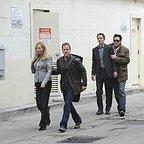سریال تلویزیونی 24 با حضور کیفر ساترلند، Jennifer Westfeldt، مایکل مدسن و Joel Bissonnette