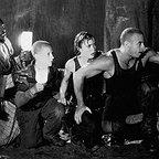 فیلم سینمایی تاریکی مطلق با حضور کیث دیوید، رادها میچل و وین دیزل