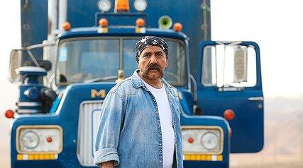 نگاهی به «لس آنجلس - تهران»+ مروری بر ایفای نقشهای مختلف توسط یک بازیگر در یک فیلم
