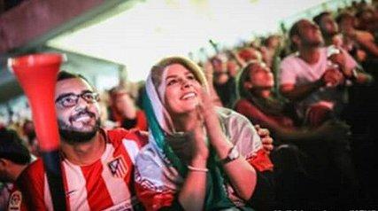 کنایه امیرمهدی ژوله به وزیر ارتباطات/ رضا کیانیان: دوست داریم بعد از بازی تا صبح برقصیم