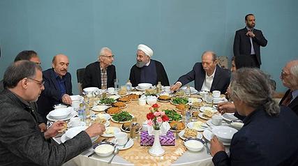 سانسور سکانس تجاوز در سریال «رهایم نکن»/ تکذیب شایعه درباره گوینده خبر/ تصاویر افطاری با هنرمندان در صفحه دکتر روحانی