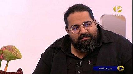 رضا صادقی بعد از بیست سال به خاطر مردم زلزله زده پیراهن مشکی را در آورد!!