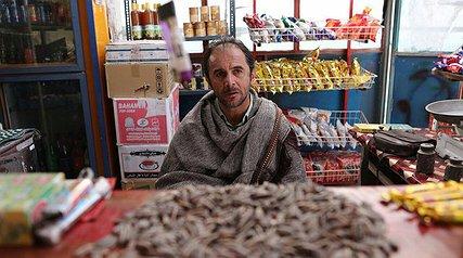 فیلمی متکی به دیالوگ و اغراقآمیز