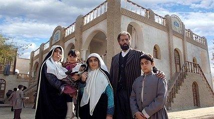 یتیم خانه ایران, توانا در ایدهپردازی ، ناتوان در قصهگویی