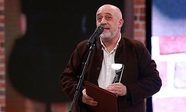 لحظه برنده شدن کریستف رضاعی برای سیمرغ بهترین موسیقی فیلم / اختتامیه فجر 35